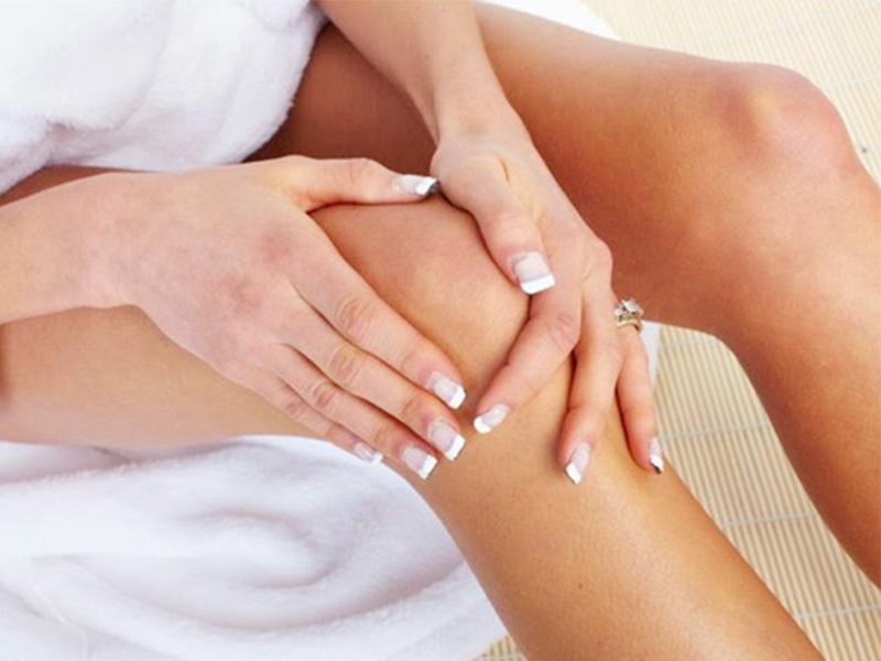 Болит колено: симптомы, причины, лечение